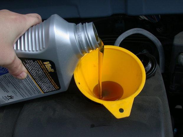 olajcsere-kenőolaj-háttér6